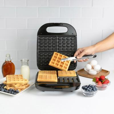 Classic Waffle Maker in Black by Kalorik