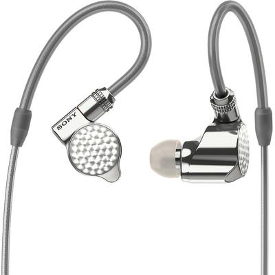 each earbud uses a hybrid three-driver design for spacious sound with great detail,dedicated \